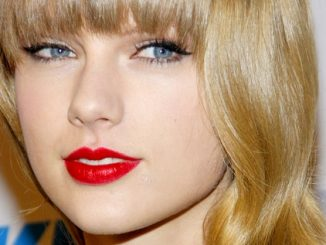 Taylor Swift - KIIS FM's 2012 Jingle Ball - Night 1