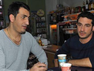 Mesut (Mustafa Alin, li.) und Tayfun (Tayfun Baydar)