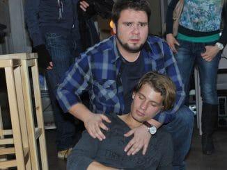 Tuner (Thomas Drechsel, hi.) und Dominik (Raul Richter)