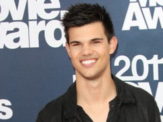 Taylor Lautner - 2011 MTV Movie Awards - Arrivals