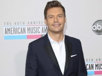 Ryan Seacrest - 40th Annual American Music Awards - Arrivals