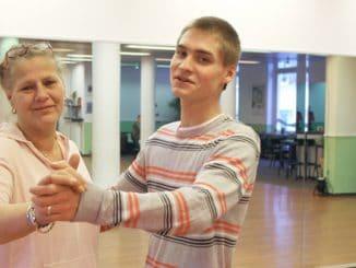 Silvia und Peter beim Tanzkurs