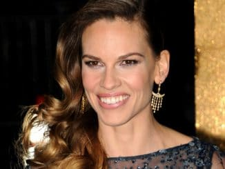 "Hilary Swank - ""New Year's Eve"" Los Angeles Premiere"