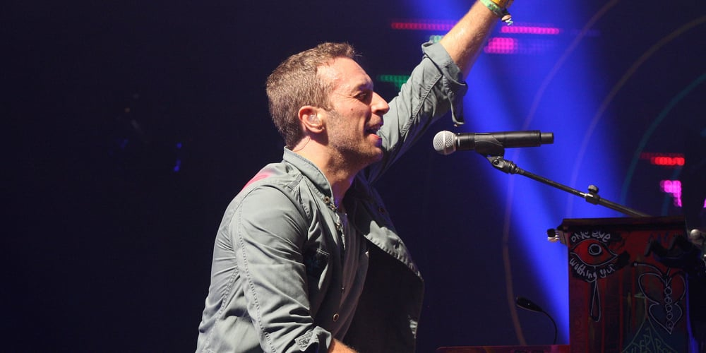 Chris Martin - Coldplay - Glastonbury Festival 2011 thumb
