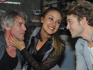 Kurt (Tim Williams, l.) und Jasmin (Janina Uhse) und Zac (Jascha Rust)