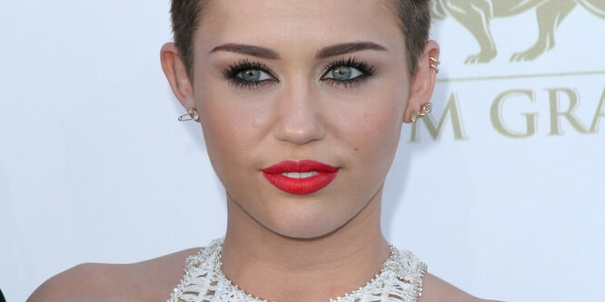 Miley Cyrus - 2013 Billboard Music Awards