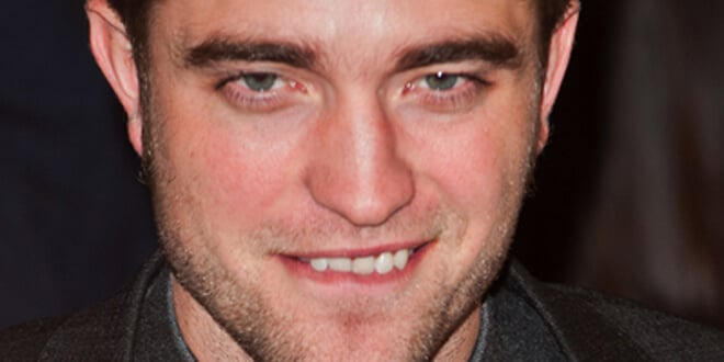 "Robert Pattinson - ""The Twilight Saga: Breaking Dawn Part 1"" UK Premiere"