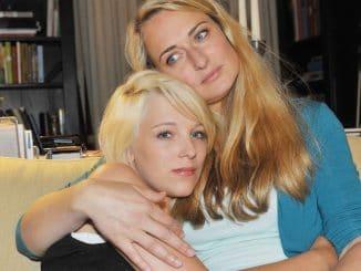 Maren (Eva Mona Rodekirchen, r.) und Lilly (Iris Mareike Steen)