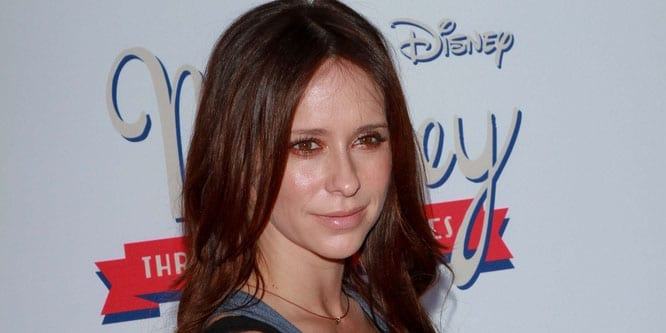 "Jennifer Love Hewitt - ""Mickey Through the Decades Collection"" Launch Event Co-Hosted by Disney and Old Navy - Arrivals"