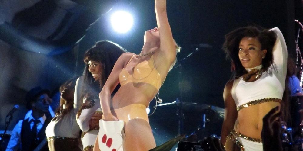 Miley Cyrus Auftritt bei den VMAs 2013: Brooke Shields fand es nicht gut! - Promi Klatsch und Tratsch