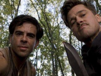 Sergeant Donny Donowitz (Eli Roth, l.) und Lieutenant Aldo Raine (Brad Pitt, r.)