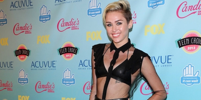 Miley Cyrus - 2013 Teen Choice Awards