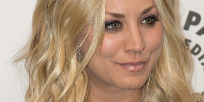 """Kaley Cuoco - PaleyFest 2013 Presents """"The Big Bang Theory"""" - Arrivals - Saban Theatre"""