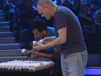 Stefan Raab und Pio Suh suchen Eier aus