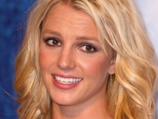 Britney Spears - 2003 Teen Choice Awards - Press Room