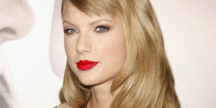 """Taylor Swift - """"Romeo and Juliet"""" Los Angeles Premiere - Arrivals"""