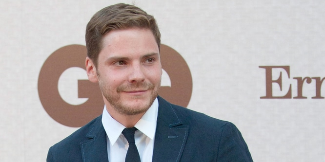 Daniel Bruhl - GQ Elegant Men of the Year Awards 2011 - Arrivals