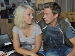 Lilly (Iris Mareike Steen) und Vince (Vincent Krüger)