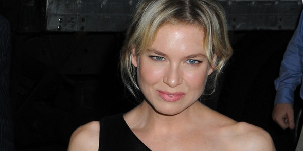 "Renee Zellweger - ""My One and Only"" New York City Premiere - Arrivals - Paris Theater"