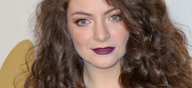 Lorde - 2013 GRAMMY Nominations Concert Live!! - Press Room