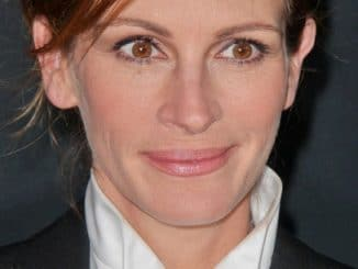 """Julia Roberts - """"August: Osage County"""" Los Angeles Premiere"""