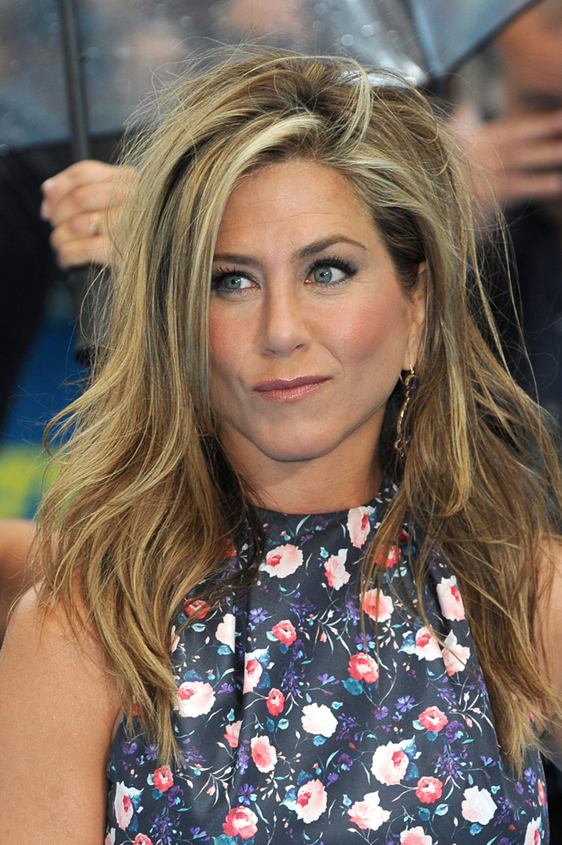 jennifer aniston gehen die haare aus. Black Bedroom Furniture Sets. Home Design Ideas