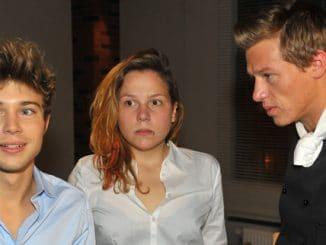Zac (Jascha Rust), Mieze (Franziska van der Heide) und Vince (Vincent Krüger, r.)