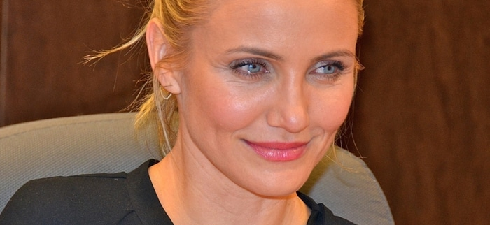 """Cameron Diaz - Cameron Diaz's """"The Body Book"""" Book Signing at Barnes & Noble in Los Angeles on January 16, 2014 - Barnes & Noble at the Grove"""