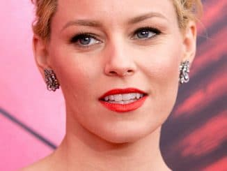 "Elizabeth Banks - ""The Hunger Games: Catching Fire"" New York City Special Screening - Arrivals"