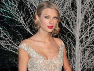 Taylor Swift - Winter Whites Gala