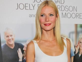 """Gwyneth Paltrow - """"Thanks for Sharing"""" Los Angeles Premiere - Arrivals"""