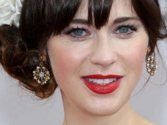 Zooey Deschanel - 71st Annual Golden Globe Awards - Arrivals
