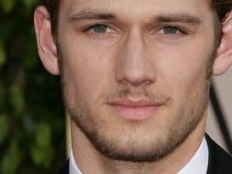 Alex Pettyfer - 68th Annual Golden Globe Awards thumb