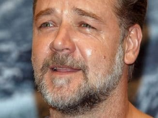 """Russell Crowe - """"Noah"""" Moscow Photocall - Lotte Hotel Moscow, Novinskiy Bulvar thumb"""