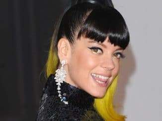 Lily Allen - BRIT Awards 2014 thumb