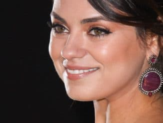 "Mila Kunis - ""OZ The Great And Powerful"" Los Angeles Premiere - Arrivals"