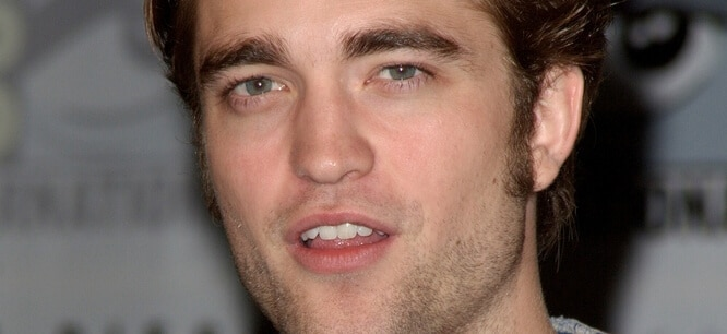 "Robert Pattinson - ress Conference for Summit Entertainment's ""New Moon"" - Hilton San Diego Bayfront Hotel thumb"