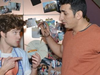 Zac (Jascha Rust, l.) und Mesut (Mustafa Alin)