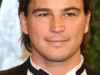 Josh Hartnett arrives at the Vanity Fair Oscar Party at Sunset Tower in West Hollywood