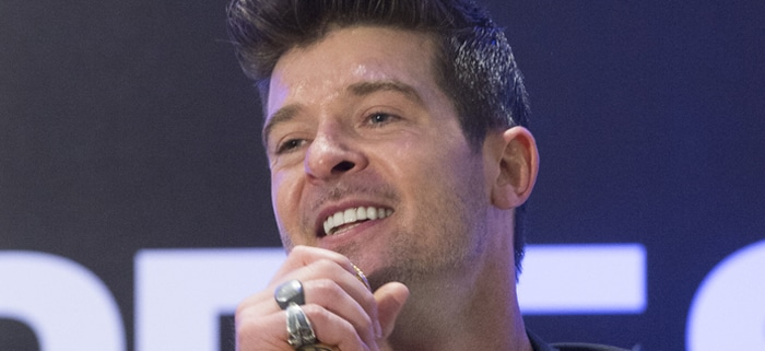 Robin Thicke - Robin Thicke in Concert at Express Times Square Grand Opening in New York thumb
