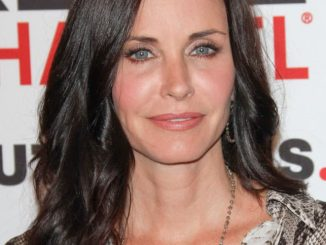 Courteney Cox - 2011 Critics' Choice Television Awards thumb