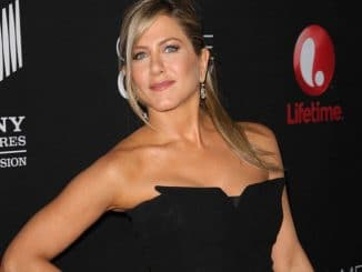 "Jennifer Aniston - ""Call Me Crazy: A Five Film"" World Premiere - Arrivals"