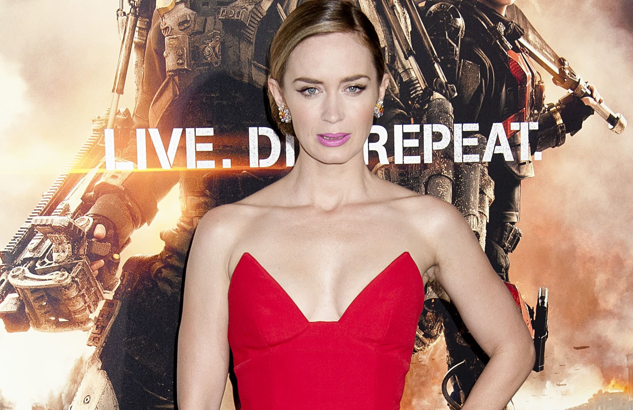 "Emily Blunt - ""Edge Of Tomorrow"" New York Premiere thumb"