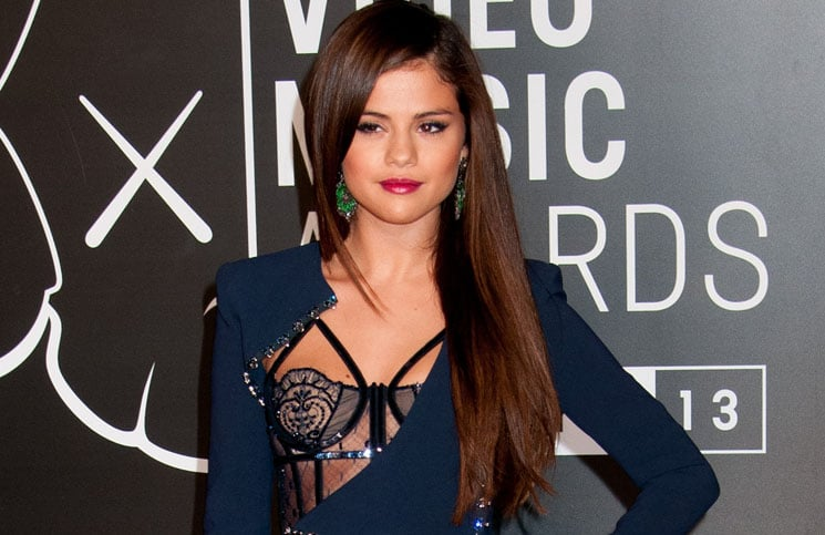 Selena Gomez - 2013 MTV Video Music Awards thumb