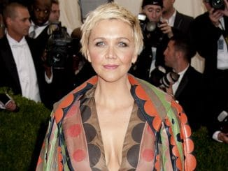 "Maggie Gyllenhaal - ""Charles James: Beyond Fashion"" Costume Institute Gala"