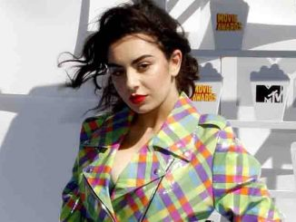 Charli XCX - 2015 MTV Movie Awards