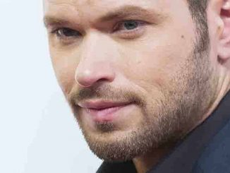 Kellan Lutz - 2015 Red Nose Day at Hammerstein Ballroom in New York City