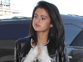 Selena Gomez Sighted Arriving at LAX on April 28, 2015