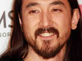 Steve Aoki Honored with a Brenden Celebrity Star