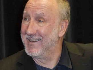 Pete Townshend Exclusive Interview with Alan Cross and 'Who I Am' Book Signing at Indigo Manulife Centre in Toronto on Novembrer 22, 2012
